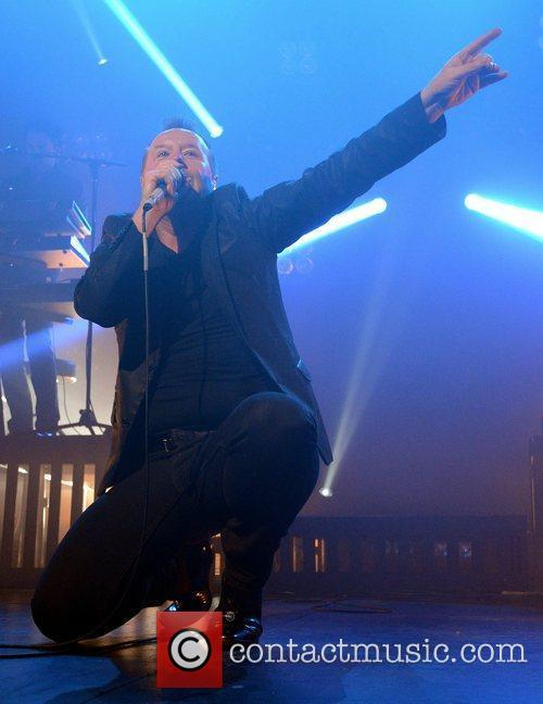 jim kerr simple minds performing at the 3764394