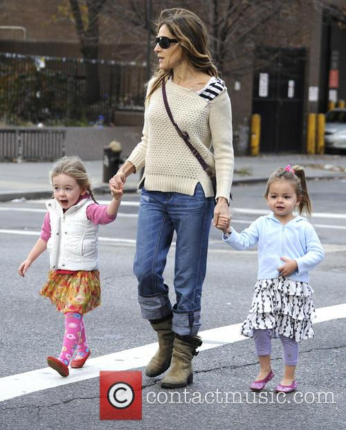 sarah jessica parker takes her children to 20017448