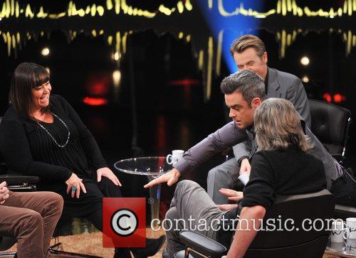 Dawn French, Fredrik Skavlan and Robbie Williams 6