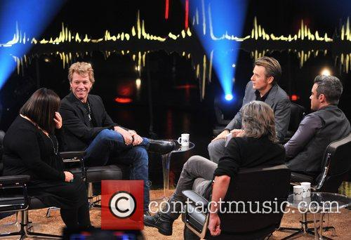 Dawn French, Jon Bon Jovi, Fredrik Skavlan and Robbie Williams 9