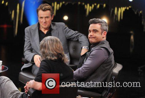 Fredrik Skavlan and Robbie Williams 5