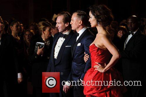 Ralph Fiennes, Daniel Craig and Berenice Marlohe 11