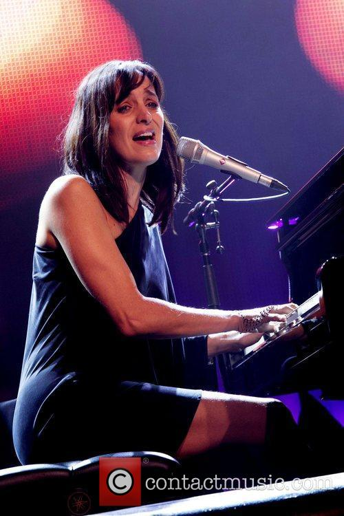 Chantal Kreviazuk 4