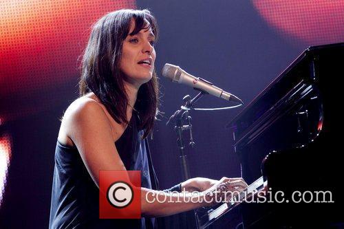 Chantal Kreviazuk 6