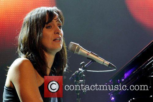 Chantal Kreviazuk 7