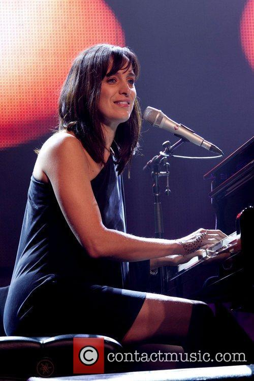 Chantal Kreviazuk 8