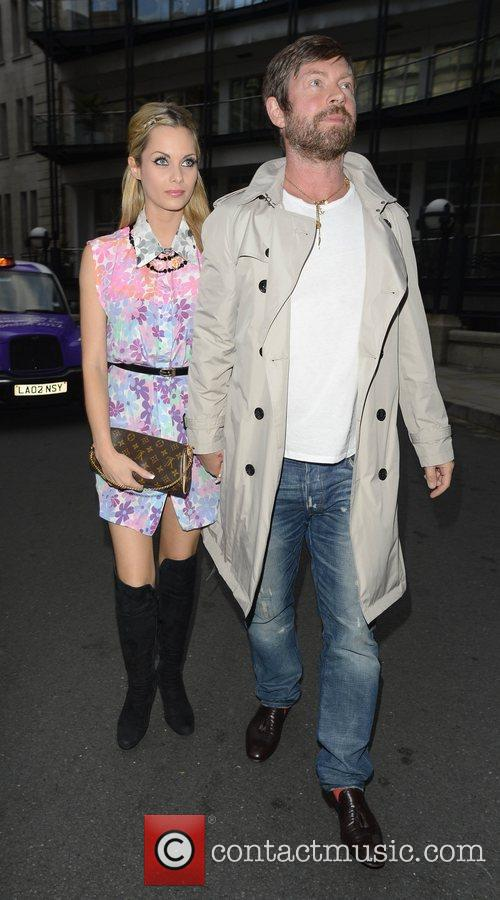 lee stafford and jessica jane clement outside 3997773