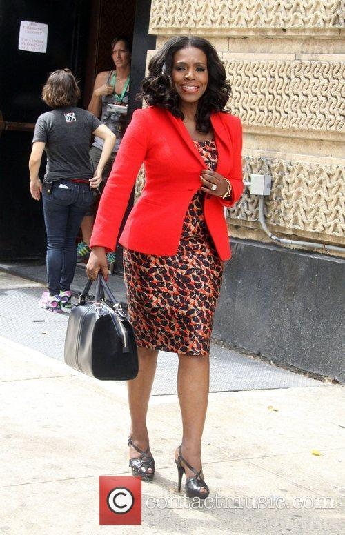 Sheryl Lee Ralph on the set of new...