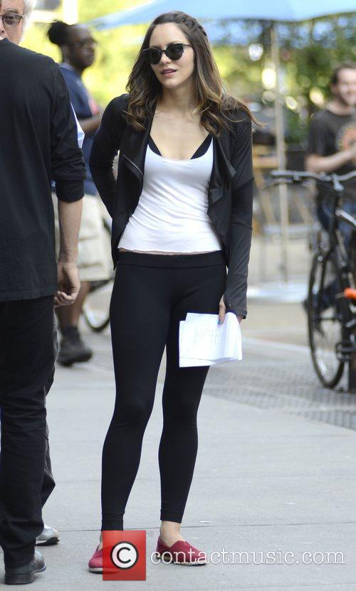 katharine mcphee on the set of new 4080774