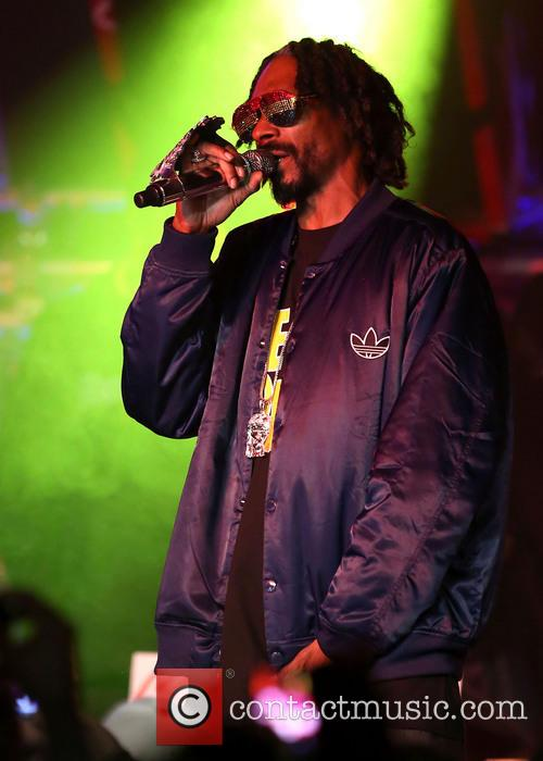 snoop dogg performing live in concert at 20036471