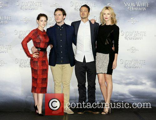 Kristen Stewart, Charlize Theron and Sam Claflin 3