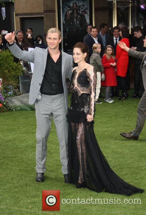 Chris Hemsworth and Kristen Stewart 4