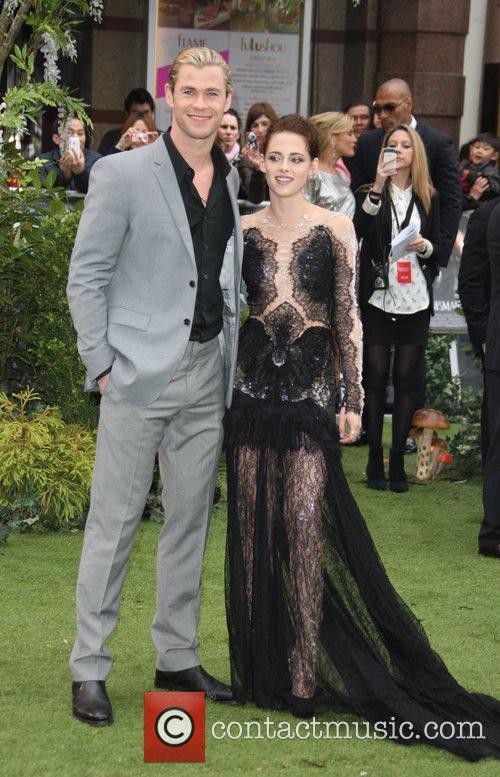 Chris Hemsworth and Kristen Stewart 5