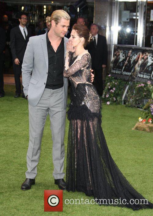 Chris Hemsworth and Kristen Stewart 7
