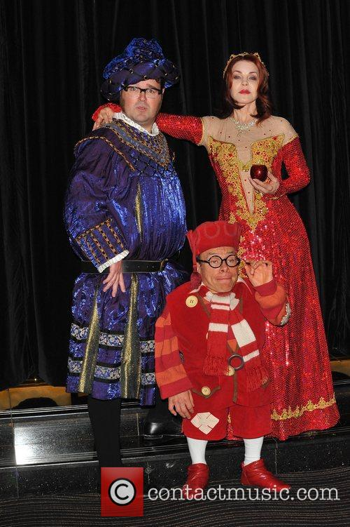 Jarred Christmas, Priscilla Presley and Warwick Davis 2