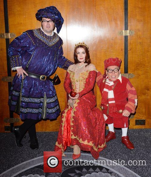 Warwick Davis, Priscilla Presley and Jarred Christmas 8