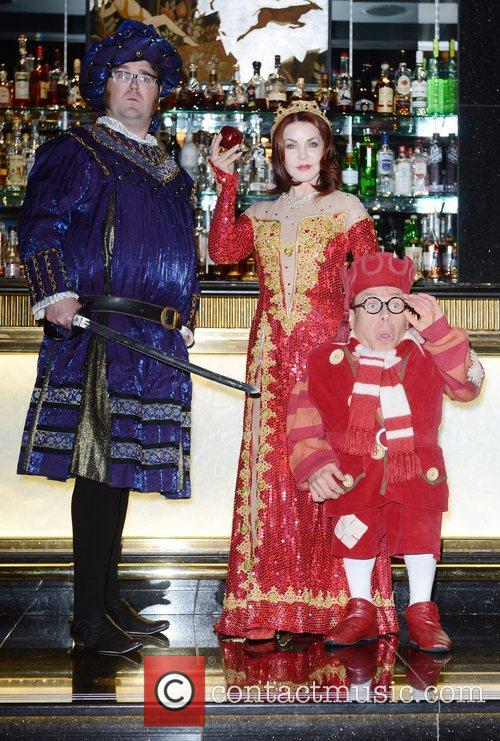 Jarred Christmas, Priscilla Presley and Warwick Davis 9