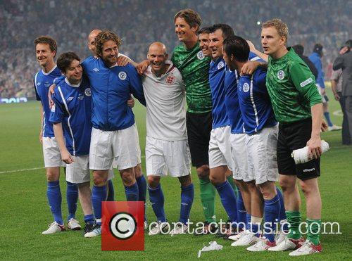 Edward Norton, Freddie Ljungberg, Gerard Butler, Joe Calzaghe, Mike Myers and Patrick Kielty 3