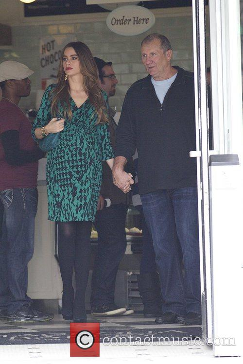 Sofia Vergara and Ed O'neill 3