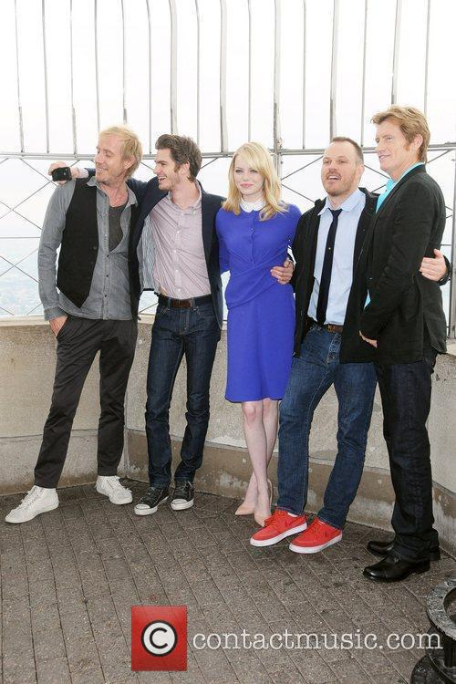 Rhys Ifans, Andrew Garfield, Denis Leary, Emma Stone and Marc Webb 3