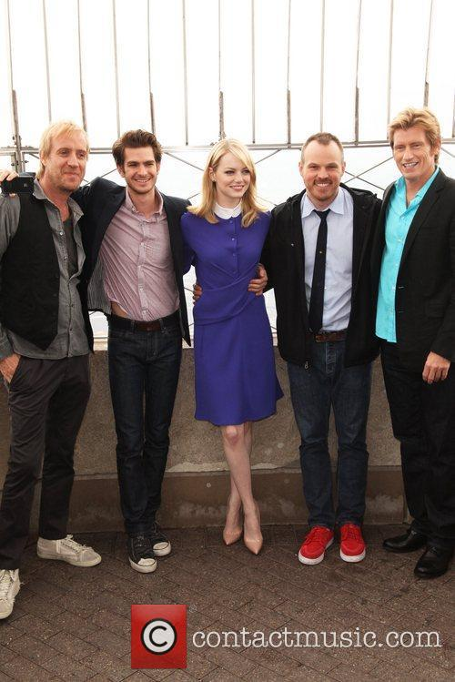 Rhys Ifans, Andrew Garfield, Denis Leary, Emma Stone and Marc Webb 5
