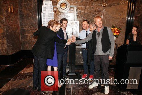 Rhys Ifans, Andrew Garfield, Denis Leary, Emma Stone and Marc Webb 11