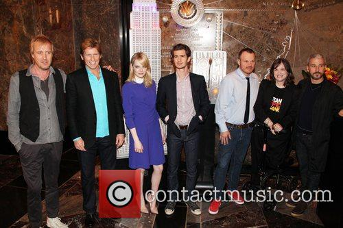 rhys ifans denis leary emma stone andrew 5868887