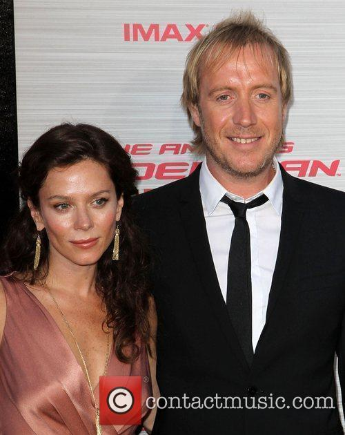 Anna Friel and Rhys Ifans 5
