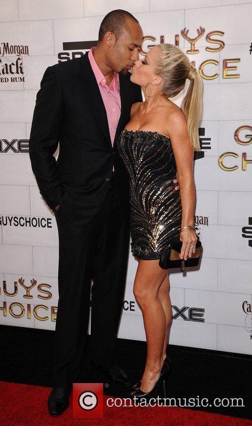 Kendra Wilkinson and Hank Baskett 4