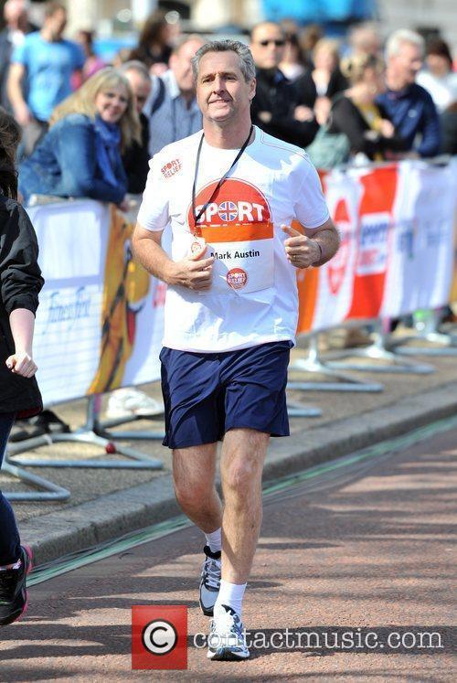 Mark Austin Sainsbury's Sport Relief Mile 2012 -...