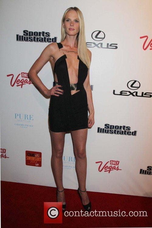 Anne Vyalitsyna and Caesars Palace 2