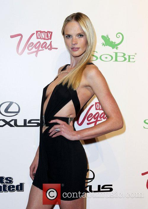 Anne Vyalitsyna and Caesars Palace 3