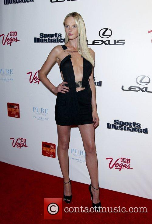Anne Vyalitsyna and Caesars Palace 1