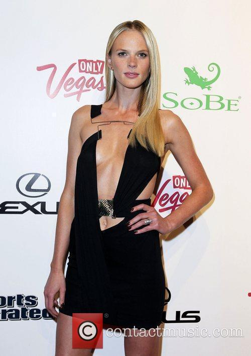 Anne Vyalitsyna and Caesars Palace 6