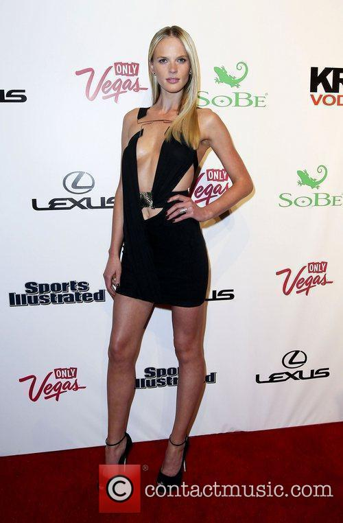 Anne Vyalitsyna and Caesars Palace 7