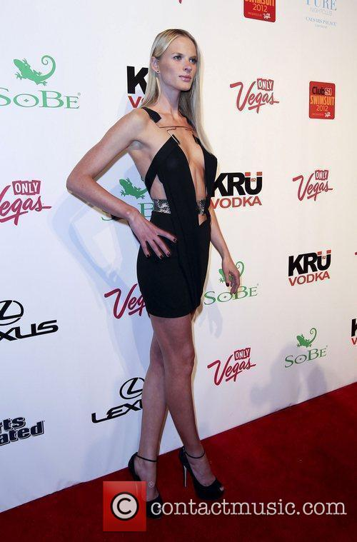 Anne Vyalitsyna and Caesars Palace 11