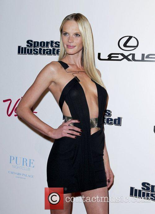 Anne Vyalitsyna and Caesars Palace 12
