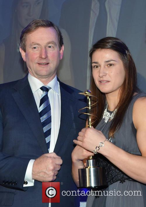 Enda Kenny and Katie Taylor 6