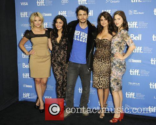 Ashley Benson, James Franco, Rachel Korine, Selena Gomez and Vanessa Hudgens 2