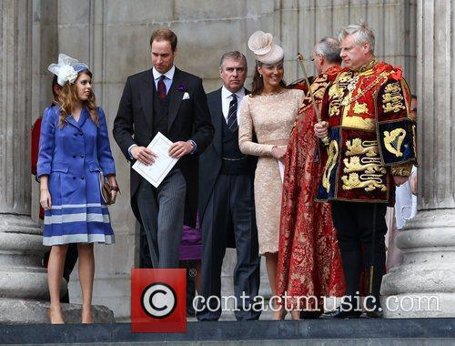 Princess Beatrice, Kate Middleton and Prince William 6