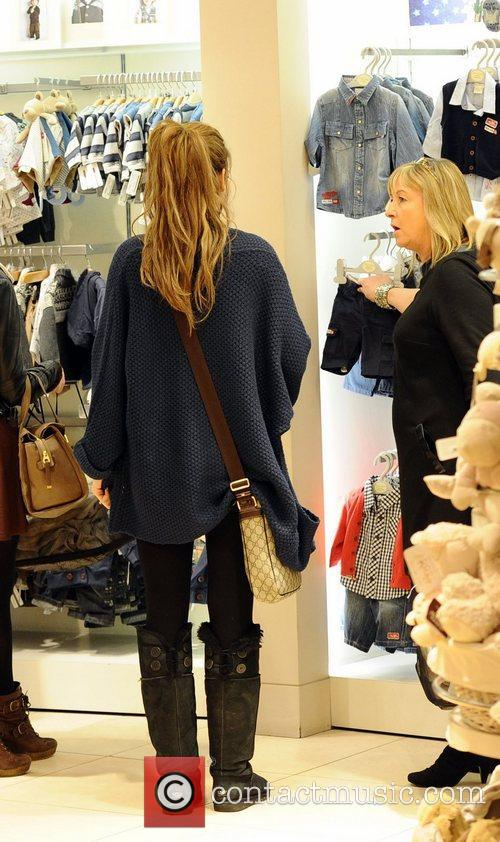 Stacey Solomon and boyfriend Aaron Barnham shopping at...