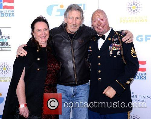Connie Henline, Roger Waters, Staff Sgt. Robert Henline and Beacon Theatre 1