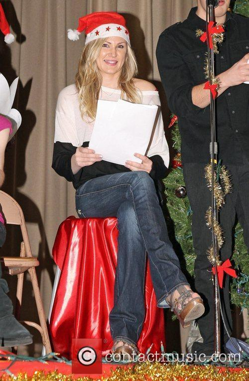 Jennifer Woods Star Education host Hollywood Food Drive...