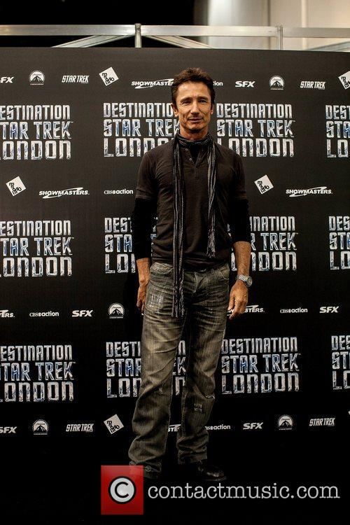 Dominic Keating 3