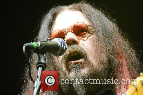 Roy Wood (of Wizard) performing live at the...