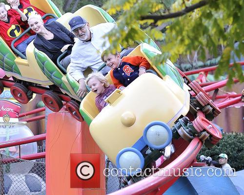 Gwen Stefani, Kingston, Zuma, Gavin and Disneyland 4