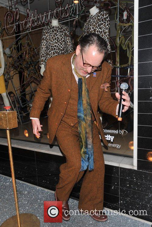 vic reeves stella mccartney store lights switch 5965623