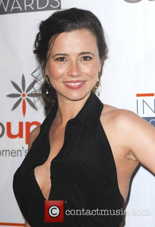 Linda Cardellini and Beverly Hilton Hotel 4
