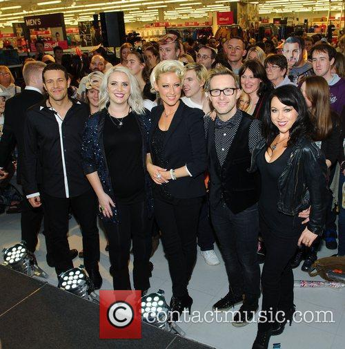 Lee Latchford-evans, H, Claire Richards, Faye Tozer, Ian Watkins, Lisa Scott-lee and Steps 10