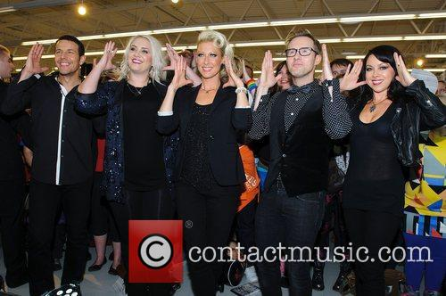 Lee Latchford-evans, H, Claire Richards, Faye Tozer, Ian Watkins, Lisa Scott-lee and Steps 9